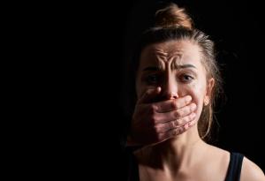 Recrudescence des violences conjugales en période de confinement : comment mieux protéger les victimes doublement murées dans le silence et leur habitation
